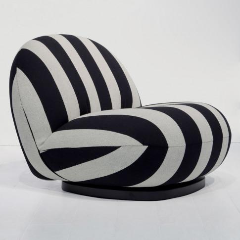 Pacha Swivel Lounge Chair In Black & White