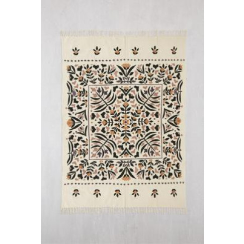 Harlow Printed 5x7 Rug - White At Urban Outfitters