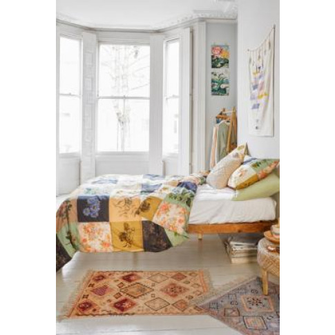 Vivian Duvet Cover Set - Assorted King At Urban Outf...