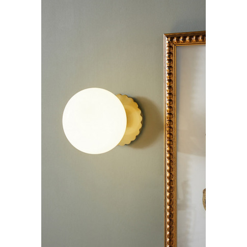 Pearl Led Wall Light