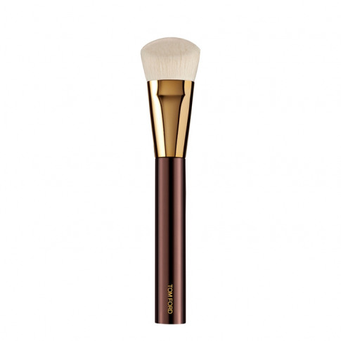 Tom Ford Shade And Illuminate Brush 04