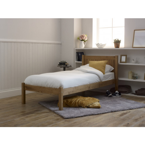 Limelight Capricon 4ft6 Double Pine Wooden Bed