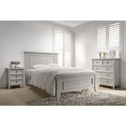 Mila 4ft6 Double Panelled Clay Wooden Bed