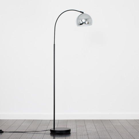 Curva Floor Lamp In Black With Chrome Shade